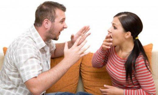 Муж раздражает беременную жену