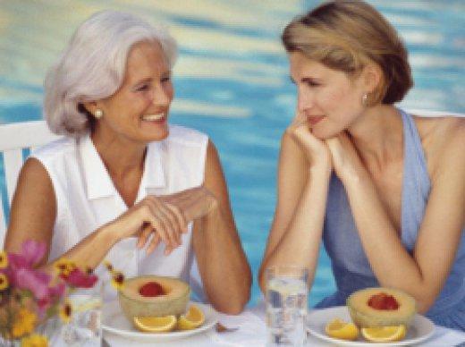 как познакомить маму и свекровь