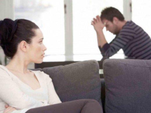 Девушка клеится к парню фото 525-947